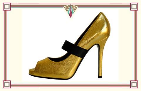 Zapato dorado de Dolce&Gabbana