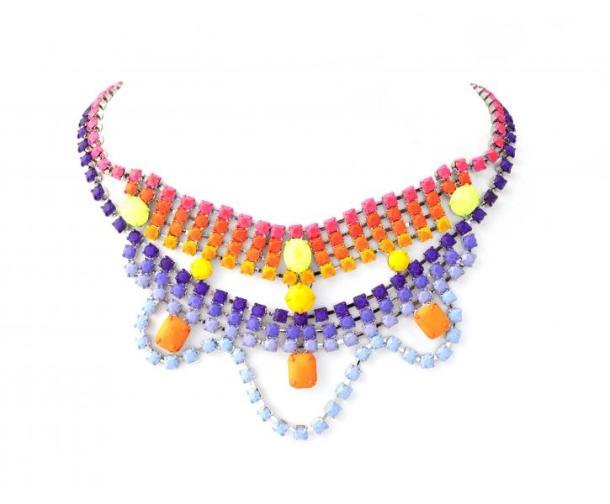 collar tom binns 1