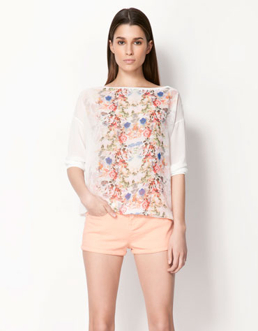 http://fashioninfrontrow.files.wordpress.com/2013/05/blusa-flores.jpg