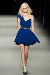 yves_saint_laurent_pasarela_179269934_175x263