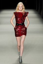 yves_saint_laurent_pasarela_372283195_175x263