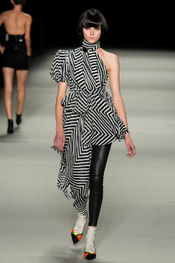 yves_saint_laurent_pasarela_844941927_175x263